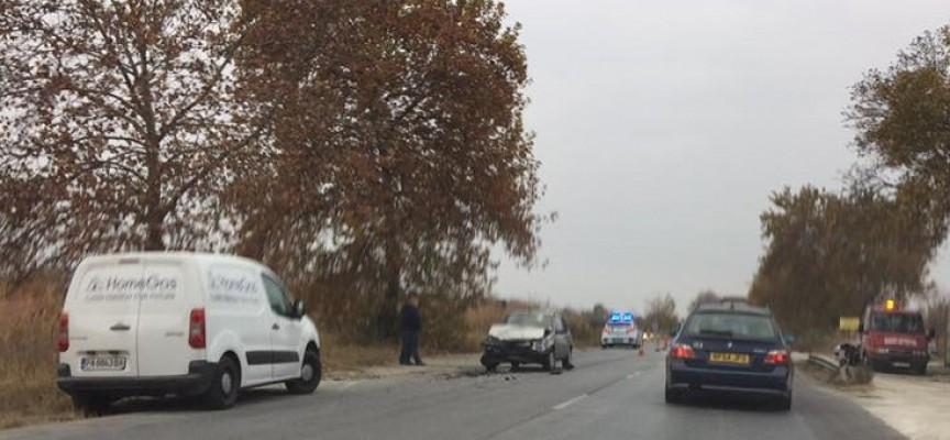 30-годишна пазарджиклийка е водачката на единият автомобил от сутрешната катастрофа
