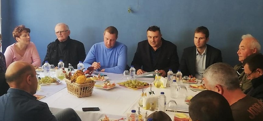 Областният управител и депутати изслушаха предложенията на местните авджии за новия Закон за лова