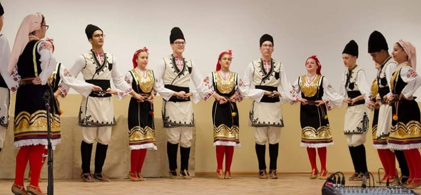 "Коледният концерт на ""Детство"", ""Гласовете на Орфей"", ""Мистерия"", ""Диамант"" и ""Радост"" е утре"