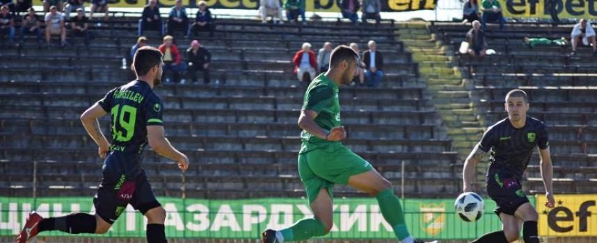 Петима играчи се разделят с ФК Хебър
