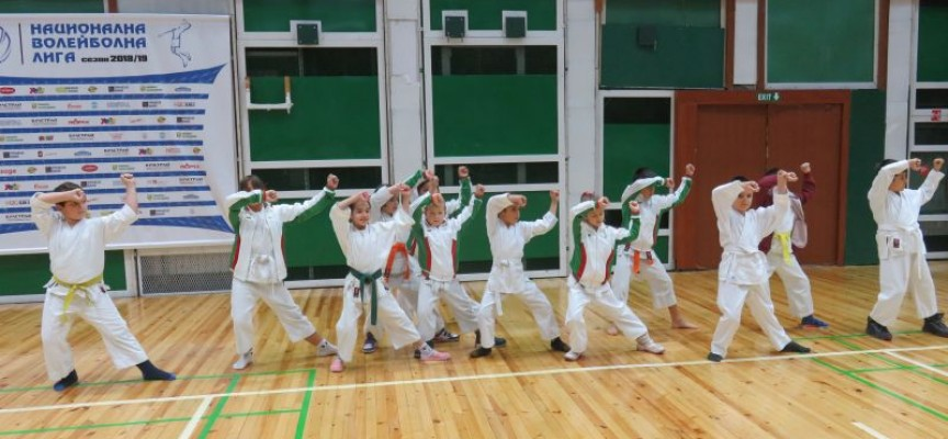 """Трети турнир """"Млади лъвчета с рицарски сърца"""" се състоя днес в Пазарджик"""