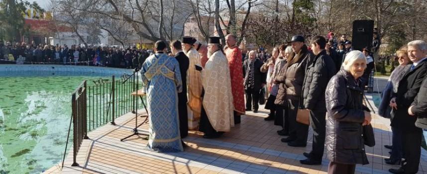 В Пещера: Богоявленският кръст ще бъде хвърлен в езерото на парка