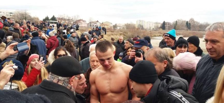Кметът на Пазарджик поздрави лично Борислав Палашев, ето какво се случи днес на брега на Марица
