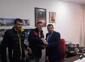 Денислав Гугутков е късметлията с кръста в Септември