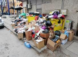 Купчините боклук по празниците били наследство от смяната на фирмите за разделно събиране