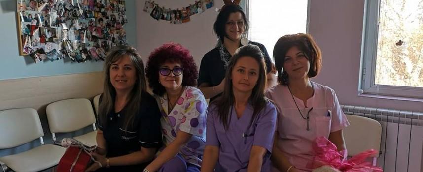 Акушерки и баби празнуват старостилния Бабинден