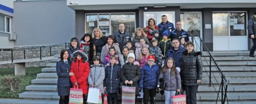 Комисар Иван Дончев връчи наградите на отличените в конкурс за рисунка, ето кои са те