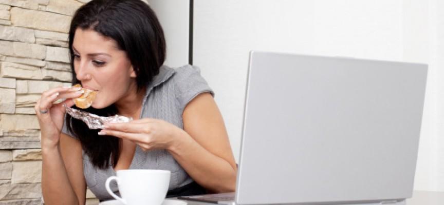 Какво ядеш: Традиционната баничка се предпочита от необвързаните, семейните хапват у дома
