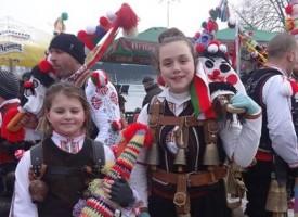 """Кукерите на Церово и Лесичово се върнаха с награди от """"Сурва 2019″ в Перник"""