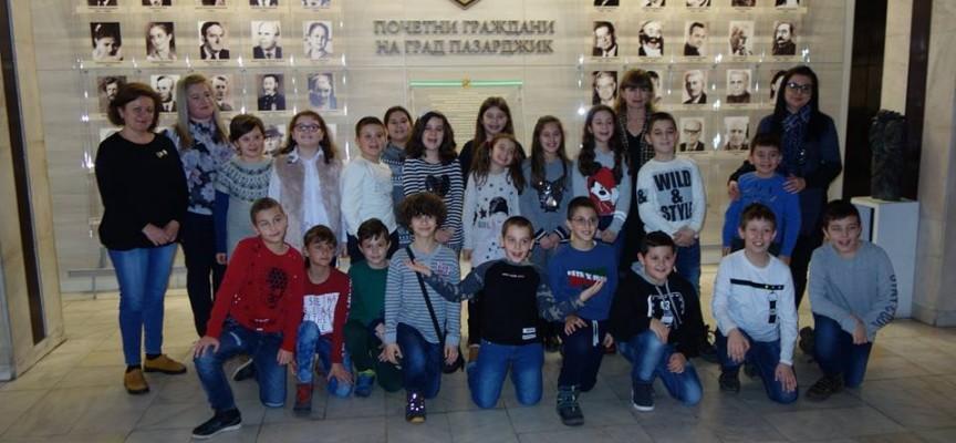 УТРЕ: Ще стане известен класът, който печели годишната награда на Община Пазарджик