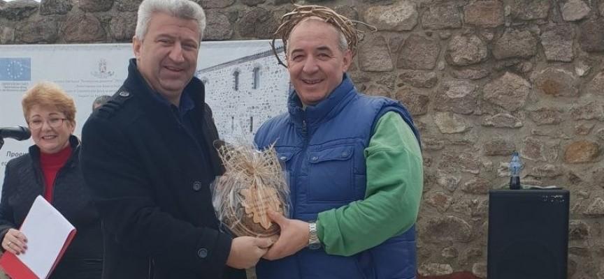 """Братски еликсир спечели конкурса """"Цар на виното"""" в Пещера"""