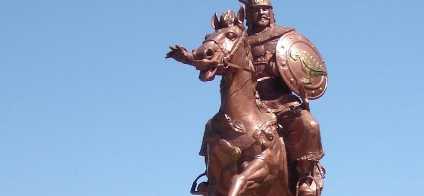 Слави Трифонов: В Стрелча има паметник на Хан Аспарух, а няма в София…