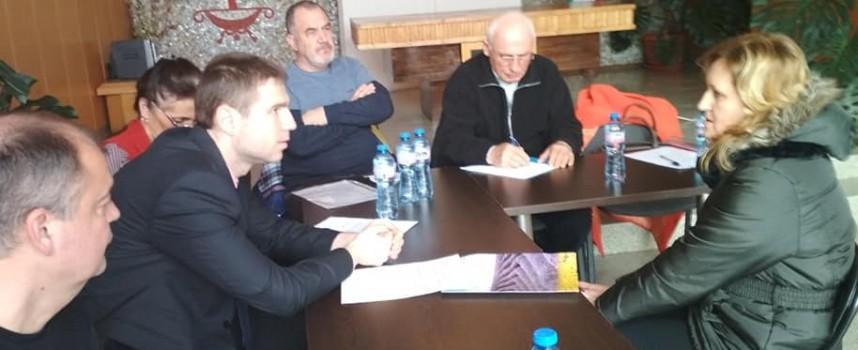 Областният управител ще настоява пред АПИ за ремонт на пътя Стрелча – Пазарджик