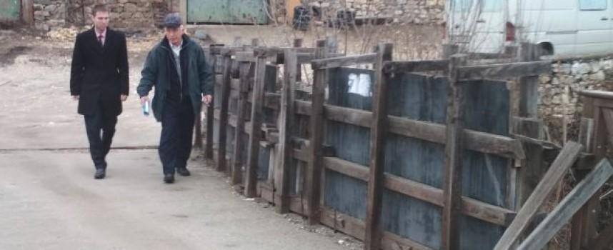 Стефан Мирев посети Момина клисура заради моста