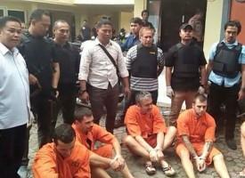 Пещерец точи банкомати на остров Бали, тренирал бойни спортове