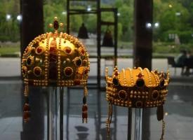 Благодарение на проф. Л.Цоцорков имаме копие на короната на цар Калоян