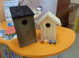 Панагюрище: Деца се грижат за птици през зимата