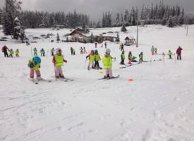 """""""Бяло училище"""" за малки скиори проведе ДГ """"Калина Малина"""" в Пазарджик"""