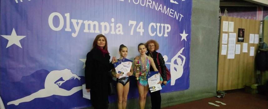 """Дара Стоянова донесе нови три златни медала, Адриана Данова спечели сребро от """"Олимпия 74"""""""