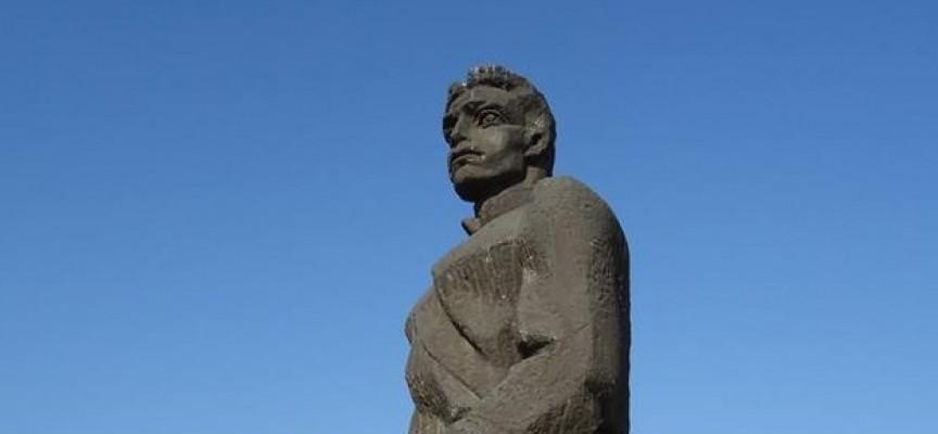 Почитаме Апостола на свободата утре пред паметника му