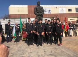 Учениците от Спортното училище се включиха във възпоменанието за Апостола