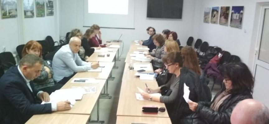 За учебната 2019/20 г. пет нови школа приемат за дуално обучение, те са в  Пазарджик, Велинград, Панагюрище, Пещера и Сърница