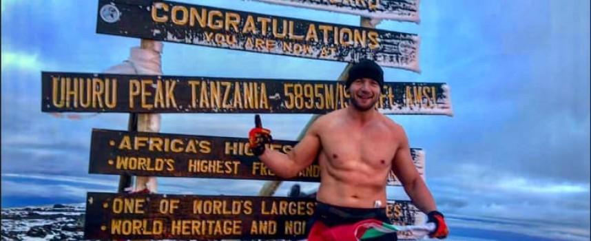 Бизнесменът Нешо Пелтеков покори Ухуру на Килиминджаро