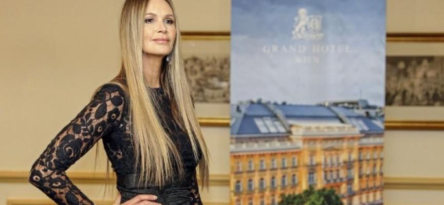 Талантливата Невена Николова скрои рокля и за Ел Макферсън, триумфира във Виена