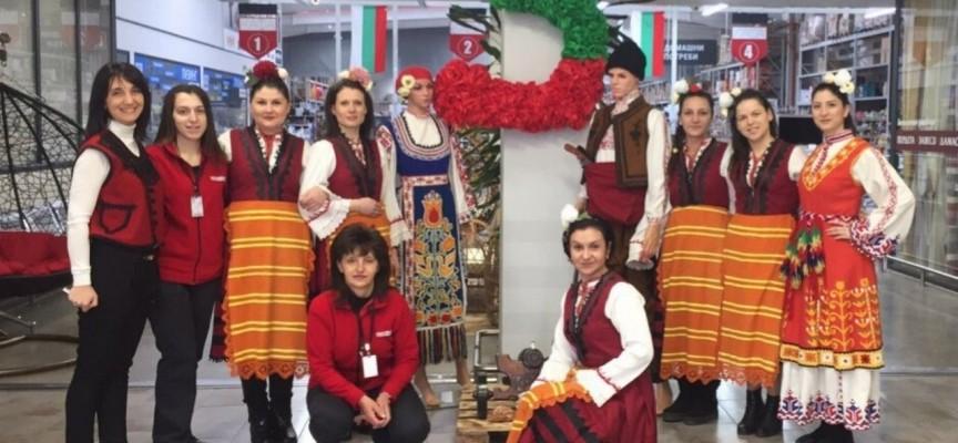Днес: В Крез ще ви посрещнат с народни носии