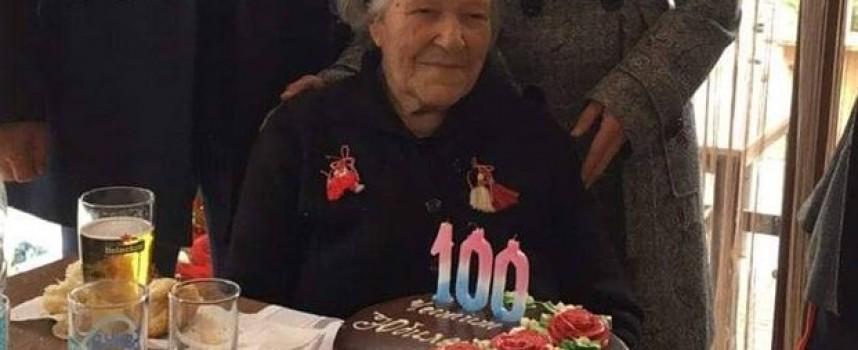 Стрелчанката Лала Стоева навърши 100 години на Трети март