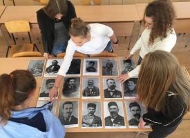 Младшите посланици на Европарламента се качват на Шипка на Трети март