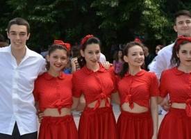 """Представителен танцов състав """"Албена"""" се завърна с няколко отличия от фестивал за съвременен танц в Шумен"""