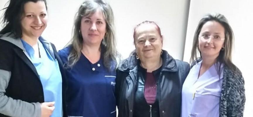 """Читателска връзка: Валя Балканска придружи своя близка за операция в МБАЛ """"Здраве"""", екипът я посрещна с почит"""