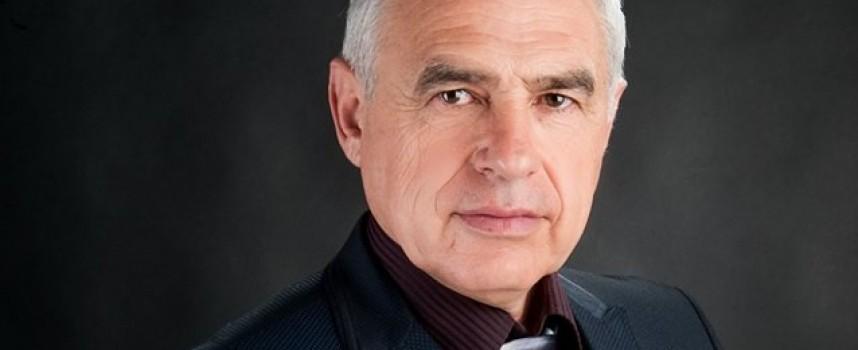 Двама неизвестни разбиха джипа на депутата Георги Вергиев