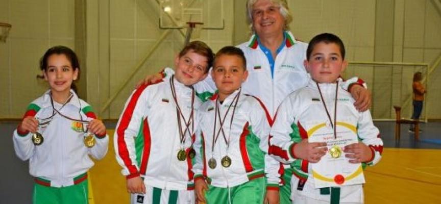 """СК """"Тонус – Спорт"""" се върна с 21 медала от турнир """"Ронин"""" в Бургас"""