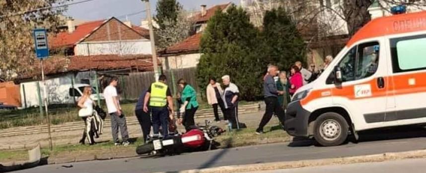 "Моторист пострада на бул. ""Георги Бенковски"" в Пазарджик"