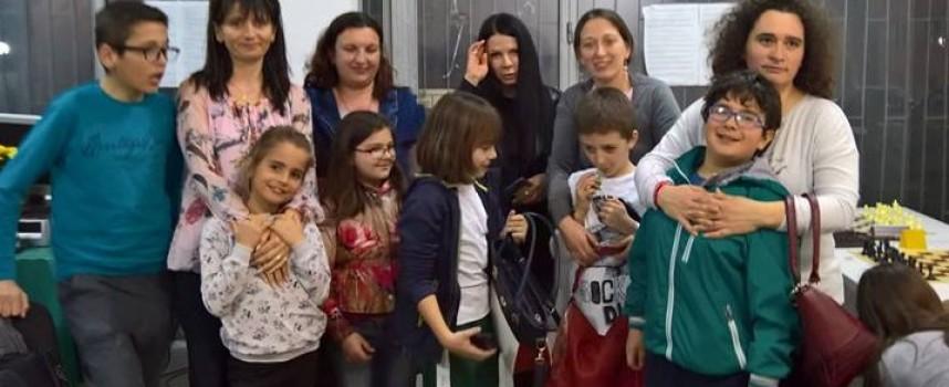 """Над 90 участници в международния турнир по шах през април, силно присъствие на детската школа на """"Оборище"""""""
