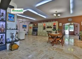 Продават къща край Пазарджик, три пъти по-скъпо от апартамента на Цветанов, искат за нея 999 000 евро