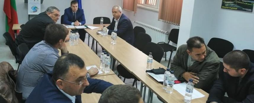 Партиите: Срещнаха се, но не се разбраха, пак ЦИК ще решава за местата в РИК