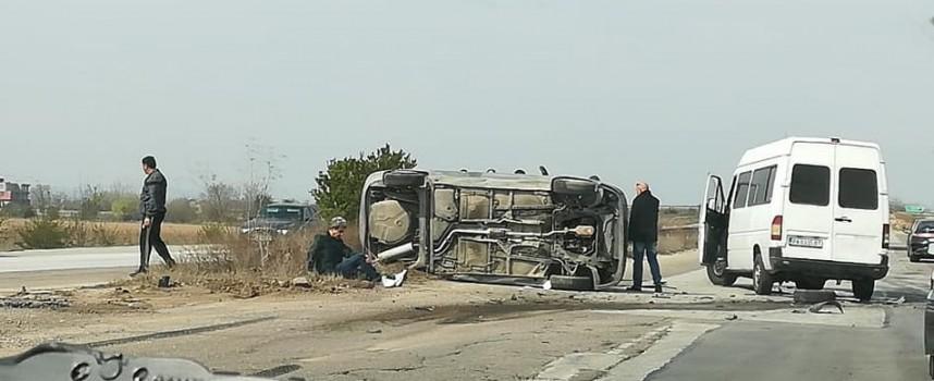 Друг очевидец: Лека кола и бус са се сблъскали на детелината към Гелеменово