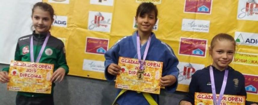 Нови победи за джудистите от Спортното училище