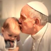 """Католиците честват Великден днес, папата поздравява в 12 ч. от катедралата """"Свети Петър"""" в Рим"""