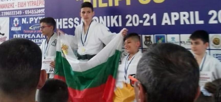 В Солун: Джудистите на Спортното се върнаха със злато от международно състезание