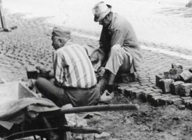 """Преди 100 години: С """"тол такси"""" павирали улиците на Пазарджик"""