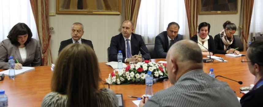 Президентът Румен Радев се срещна с медицински специалисти