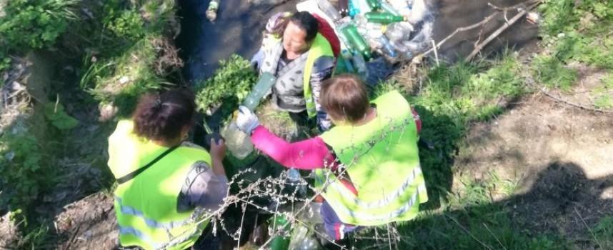 Почистиха речните корита и пътищата в община Ракитово