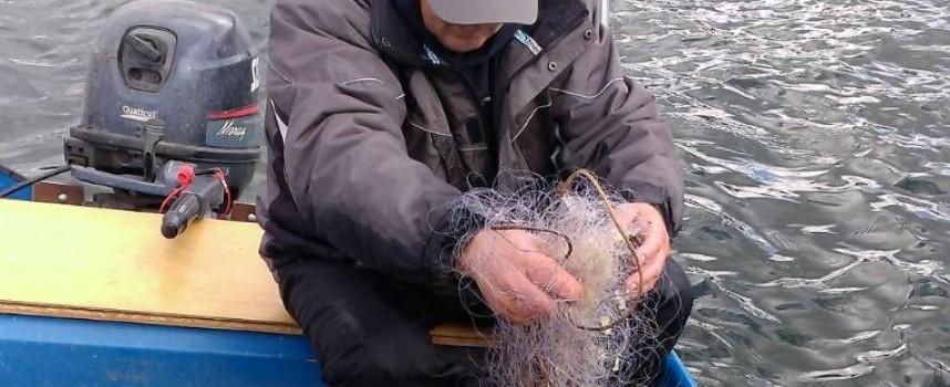 500 м. мрежи с над 100 кг. риба извадиха от яз. Батак инспектори на ИАРА