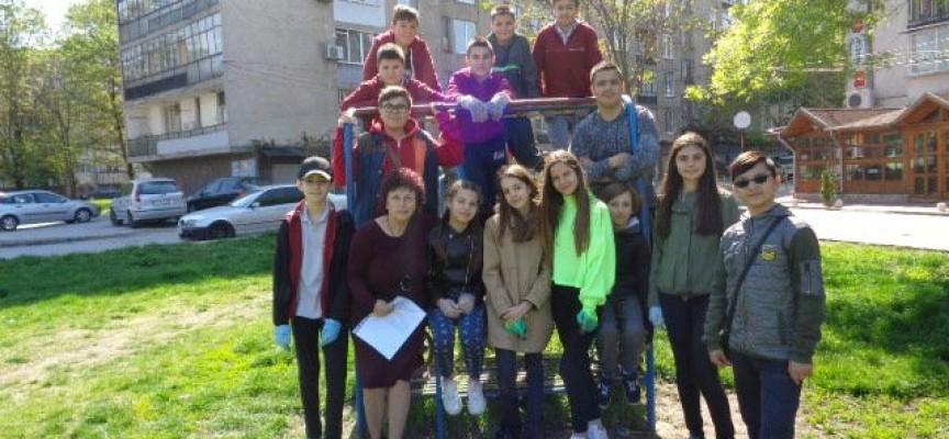 РИОСВ с ученици от Пазарджик и Септември отбелязаха Деня на Земята