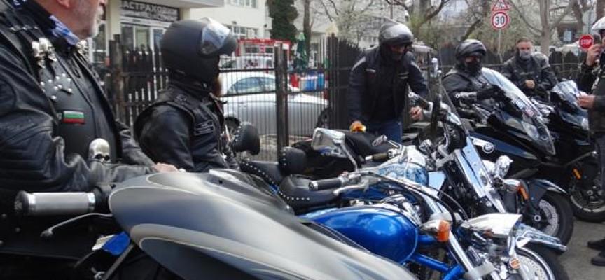 "Панагюрските ""Железни братя"" откриват сезона утре"