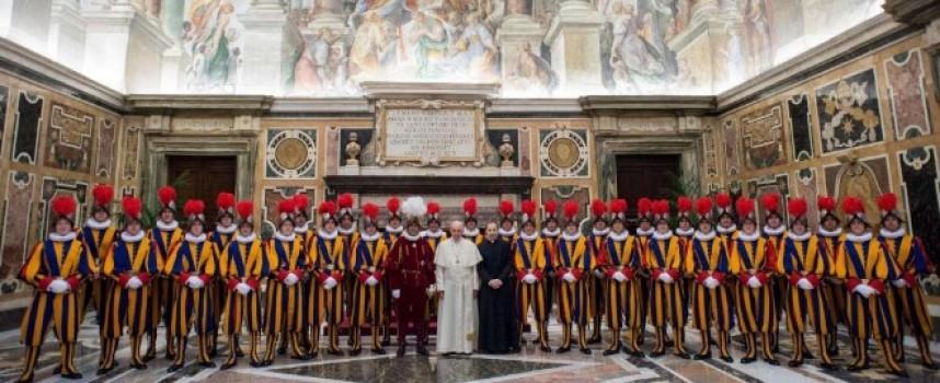 Ние празнуваме Деня на храбростта, а папската гвардия 332 години от създаването си